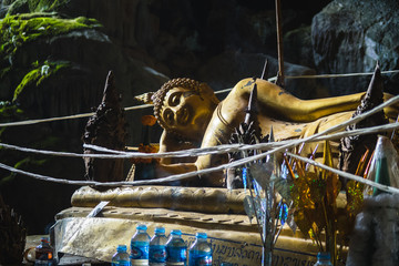 bouddha in a cave