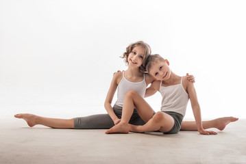 Брат и сестра спортсмены