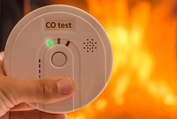 Kohlenmonoxidtester als Schutz vor Vergiftung durch Ofen oder Kamin