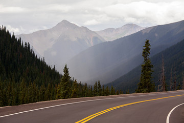 Tranquil settiing along the million dollar highway in Colorado.