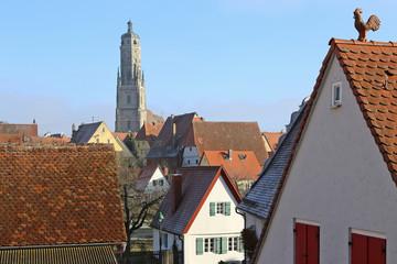 historische Altstadt von Nördlingen mit Blick auf den Turm