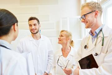 Ärzte bei einer Besprechung