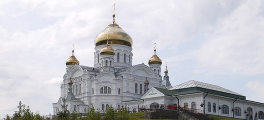 Белого́рский Свято-Никола́евский православно-миссионе́рский мужско́й монасты́рь