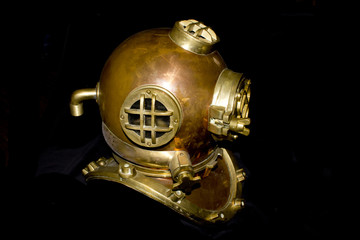 Vintage Brass and Copper Old Fashioned Steam Punk Style Diving Helmet