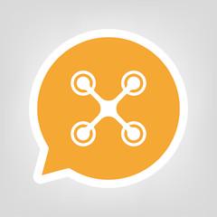 Gelbe Sprechblase - Drohne Vogelsicht