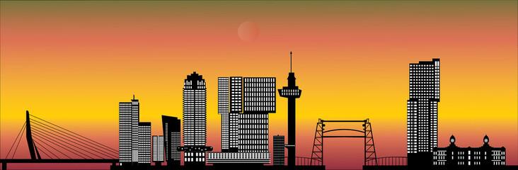 Photo sur Aluminium Rotterdam rotterdam skyline with hotel, landmarks erasmusbridge and modern architecture during sunset