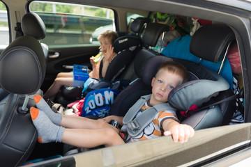 Podróż z dziećmi w załadowanym aucie