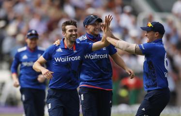 England v Pakistan - Second One Day International
