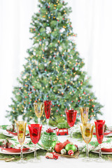 Christmas Dinner Table Setting Tree Napkins Red Yellow Wineglasses