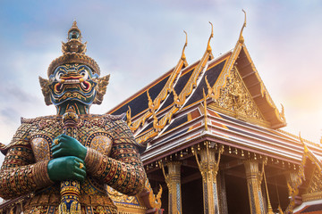 Tuinposter Bangkok Wat Phra Kaew, Emerald Buddha temple, Wat Phra Kaew is one of Bangkok's most famous tourist sites