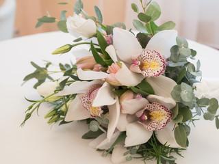 brides bouquet of white flowers