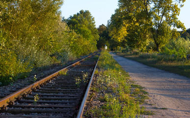 Railroad tracks in the sunset (6)