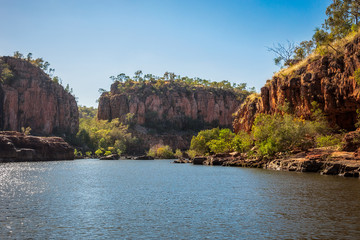 The first stopover and hike to the next river boat on the Katherine River Gorge Cruise during the dry season in Nitmiluk National Park, Northern Territory, Australia.
