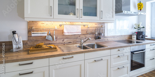 Moderne landhausküche stock photo and royalty free images on fotolia com pic 171724498