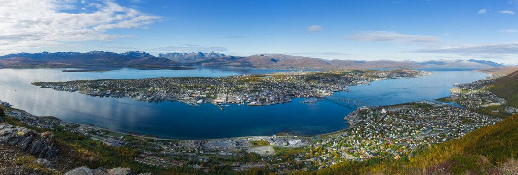 Panoramablick auf Tromsø bei Tag