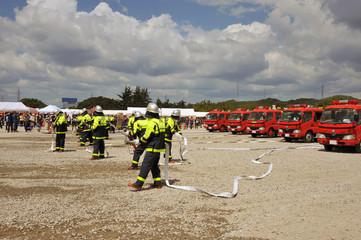 防災訓練、消防車の放水