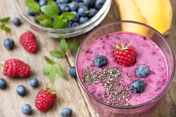 smoothies with blueberries