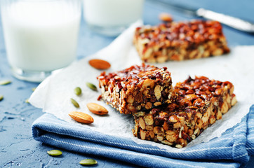 Honey nuts bars with milk
