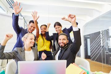 Start-Up Team hat Erfolg mit Idee