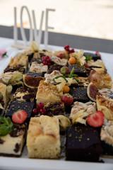 Kuchenbuffet auf Hochzeit