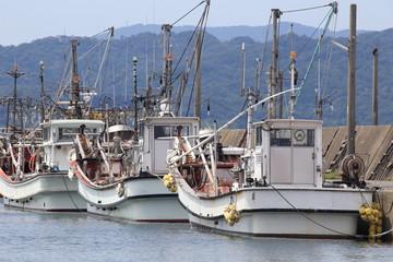 並んだ漁船
