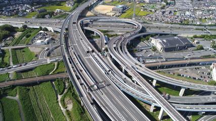 高速道路 直線 曲線 8月 9月 10月 11月 クルクル 立体交差 曲線美 新幹線 車 ドローン ドライブ  合流 インターチェンジ 京都 大阪