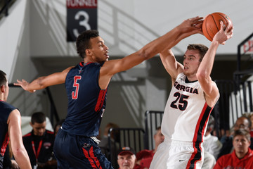 NCAA Basketball: Robert Morris at Georgia