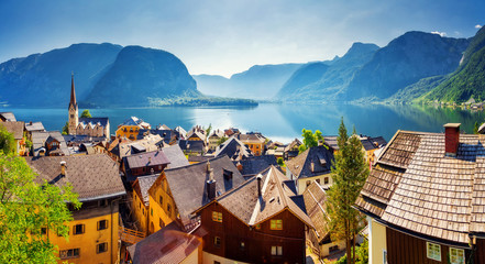 Great views of the lake and Hallstatter. Location place (unesco heritage), Austria, Europe. 壁紙(ウォールミューラル)