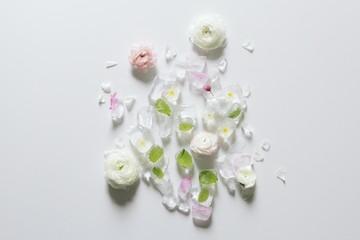 Frozen flower ice cubes