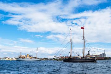 Segelschiffe in der Stadt Kopenhagen, Dänemark