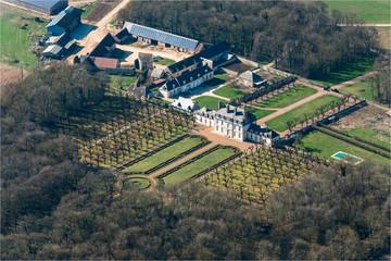Vue aérienne du château de Champ-Romain à Thiville en Eure-et-Loir - France