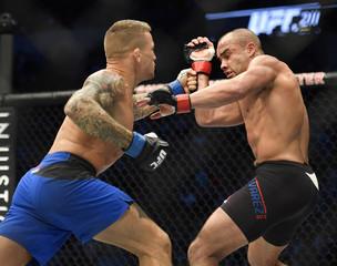 MMA: UFC 211-Alvarez vs Poirier