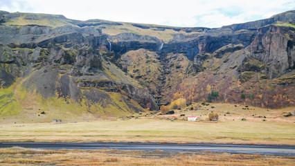 Island, Skaftárhreppur, Felswände im Süden Islands, Rundreise Island - in einer Woche auf der Ringstraße um die Insel