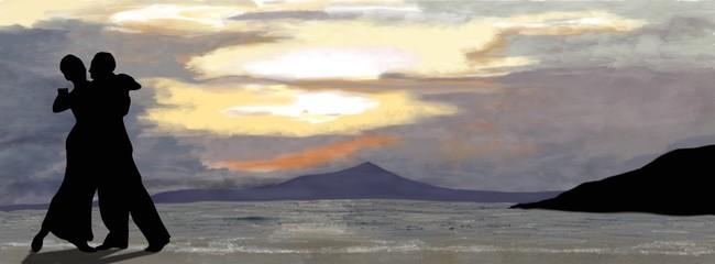 silhouette d'un couple de danseurs de tango au bord de la mer sur fond de couché de soleil