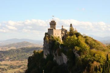 Castello a strappiombo a San Marino Wall mural