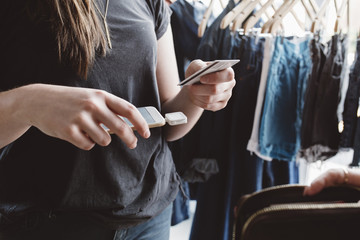 Making purchase using mobile phone