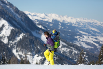 Fototapete - Winter activity in Austrian Alps