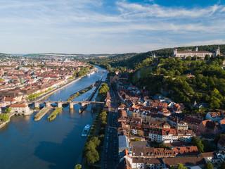Alte Mainbrücke und Festung Marienberg