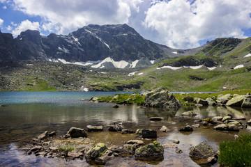 Foto auf Gartenposter Gebirge A lake in the mountains