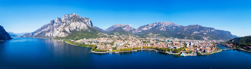Lecco (IT) - Vista aerea panoramica della città