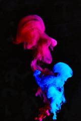 Inchiostro colorato in acqua