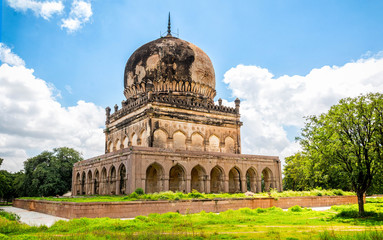 The ancient tomb of Qutb Shahi in Hyderabad - India. The Kings are resting in the tombs located near the Golconda fort. Fototapete
