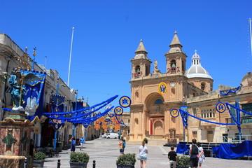 Festlich geschmückt: Die Kathedrale von Marsaxlokk auf Malta