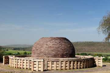 Photo sur Plexiglas Monument Ancient Buddhist stupa in Sanchi, India