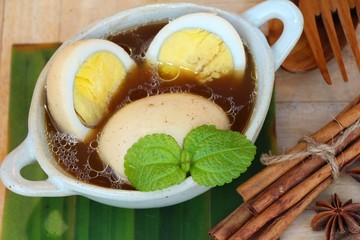 Stewed egg is delicious , chinese food
