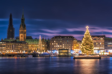 Illuminated town hall with Christmas Markets in Hamburg