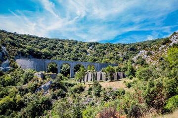 Le pont du col de Saint-Louis,  près de Caudiès-de-Fenouillèdes