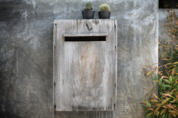 wooden mailbox, decorate with cactus.
