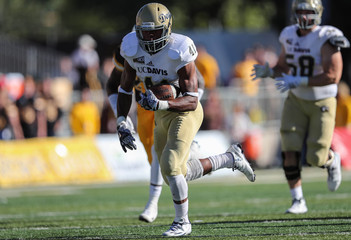 NCAA Football: UC - Davis at Wyoming