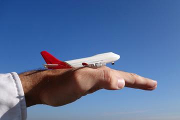 avion miniature décollage